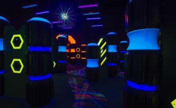 laser tag arena at stars and strikes